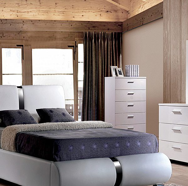 Contemporary Style Upholstered Bed in a White Pu Fabric Bedroom